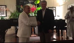 con il governatore del Mississippi Phol Bryant